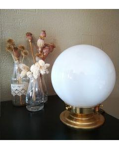 Do It Yourself - Lampe à poser Globe Opale et Socle en laiton